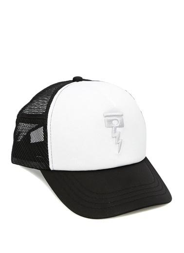 Şapka-Deus Ex Machina